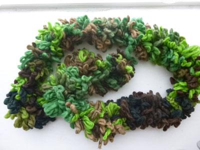 3 minute handmade scarf-- Easy gift idea!