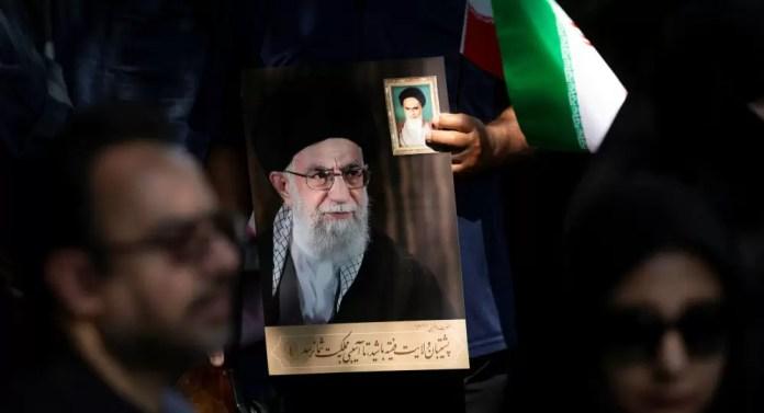 Hamaney: Düşmanlar İran ile Irak arasında anlaşmazlık yaratmaya çalışıyor ancak komploları etkisiz kalacak
