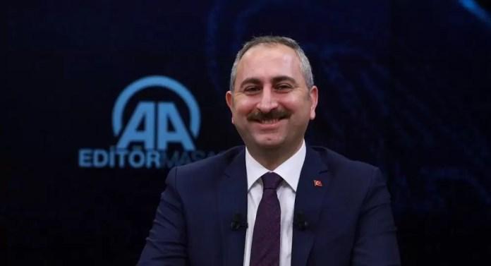 Adalet Bakanı Gül: E-tebligatla binlerce ağaç kesilmekten kurtuldu