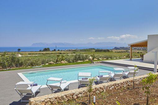 Villa Artista - Pool Landschaft