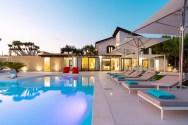 Camemi ist eine Luxusvilla mit Swimmingpool in herrlicher Panoramalage in der Umgebung von Ribera, 40 km nördlich von Agrigento.