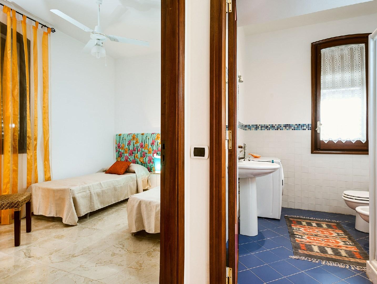 Zweibettzimmer Villa am Strand mit Pool