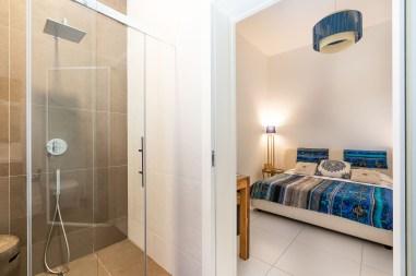 Schlafzimmer mit Bad Villa Caponegro