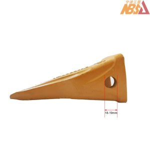 Hitachi Caterpillar style Bolt-on Side Hole Tiger Tooth