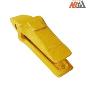 SK230 LQ61B0100291 Kobelco Tooth Aadapter Shank