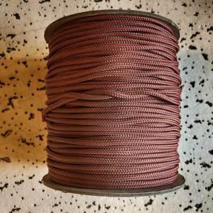 bruin touw is erg in trek