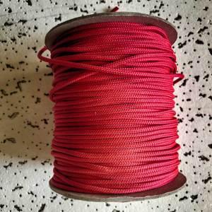 rood touw voor de sjamanendrum bouw