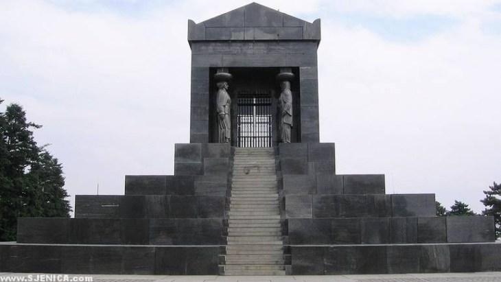 spomenik_neznanom_junaku_avala