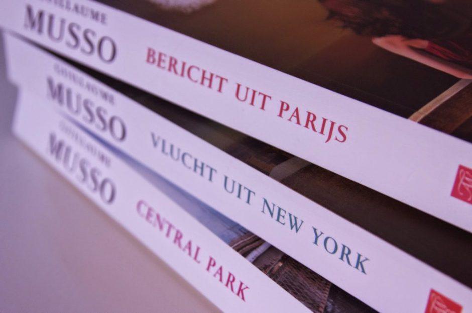 Bericht uit Parijs Vlucht uit New York Central Park VAN NEW YORK NAAR PARIJS IN TRHILLERS VAN GUILLAUME MUSSO recensie review