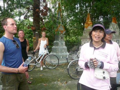 We stopped at a wat or temple to view the family shrines (which house the cremated remains).