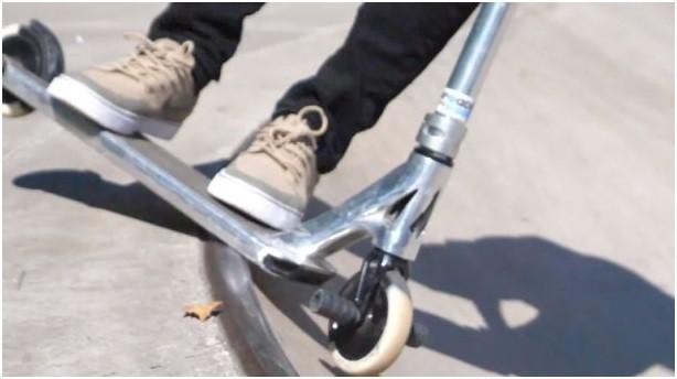 Skateboard vs Scooter