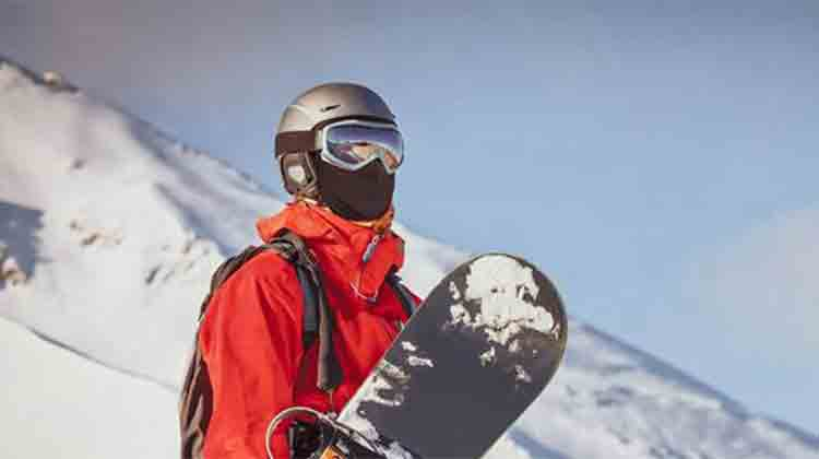 A best snowboard mask can save you from heavy fog. and you feel comfortable on it.