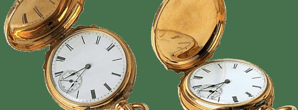 Zwei goldene Uhren finden