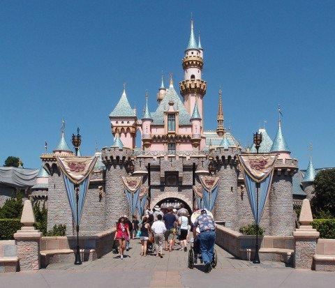 Sleeping_Beauty_Castle_Disneyworld_Anaheim_2013