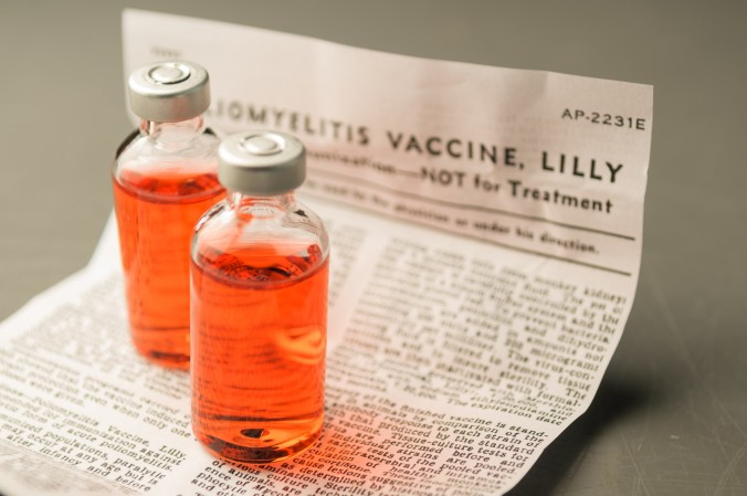 polio vaccine causes cancer
