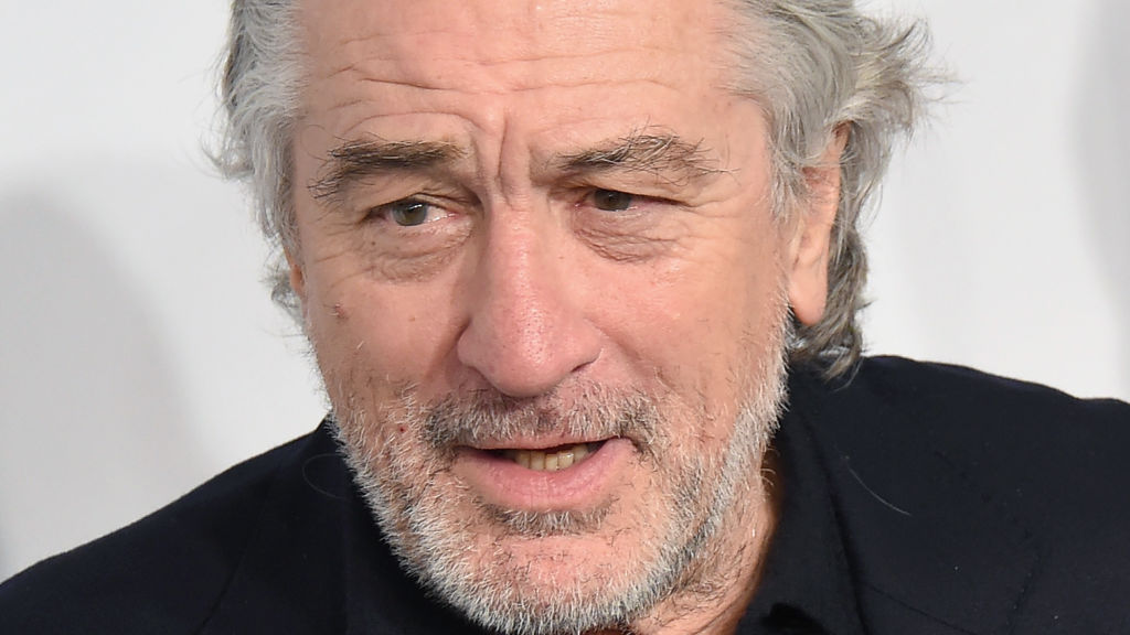 Anti-vaccine Robert De Niro follows Jenny McCarthy