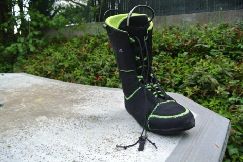 Système de serrage que l'on retrouve sur passablement de chaussures.
