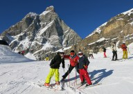 cervinia ski family group