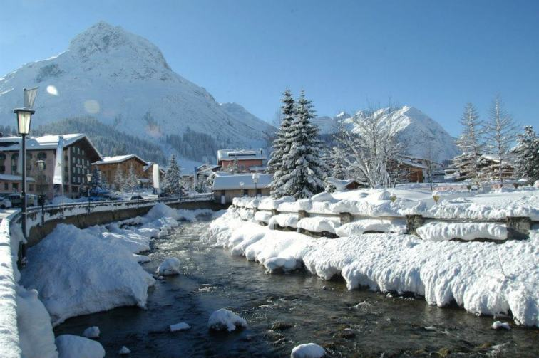 The charming, remote village of Lech will have lovers swooning. pc: Lech Zuers Tourismus