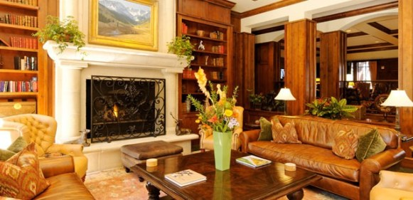 The Ritz-Carlton Residence Club is the only luxury hotel offering ski in, ski out access to Aspen Highlands.