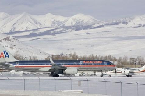 Gunnison-Crested Butte Regional Airport, American Airlines Crested Butte Gunnison Regional Airport, United Airlines Crested Butte
