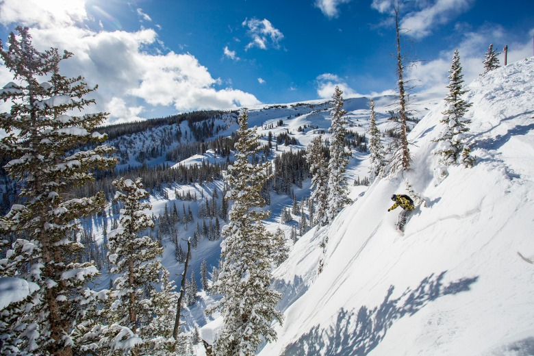 Aspen Snowmass spring break ski vacation guide
