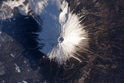 Japan's Mount Fuji, as seen from space. | Photo: Scott Kelly, NASA