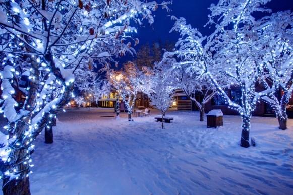pedestrian mall Aspen, Christmas lights Aspen