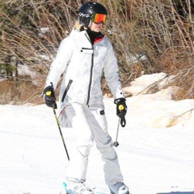 Gwen Stefani mammoth mountain, gwen stefani skiing