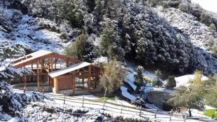 The outdoor pools are naturally heated by the area's volcanoes. | Photo: Nevados de Chillan Termas and Spa