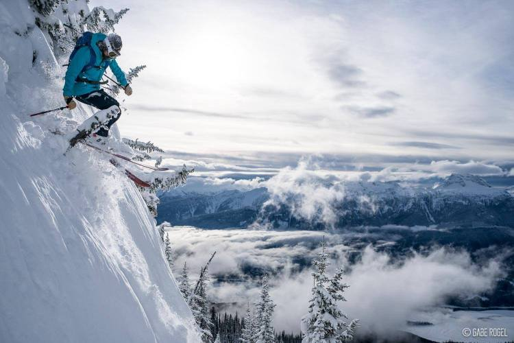 skiing at revelstoke mountain resort