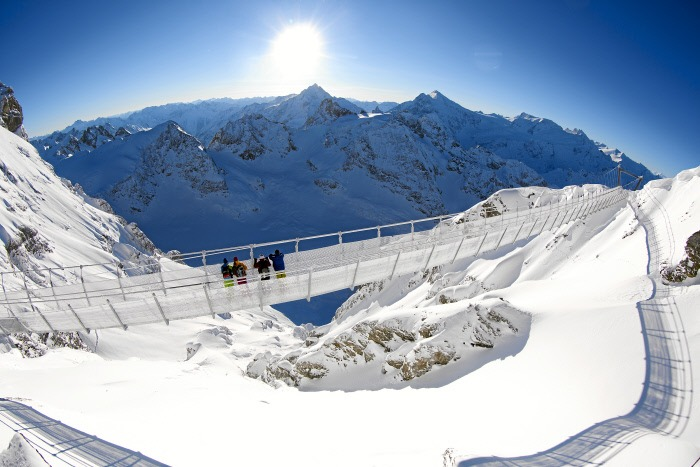 engelberg titlis, swiss ski guide, skiing in the swiss alps, titlis cliff walk