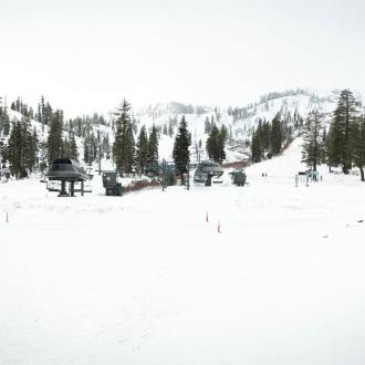 squaw valley alpine meadows snow, where is it snowing, where has it snowed