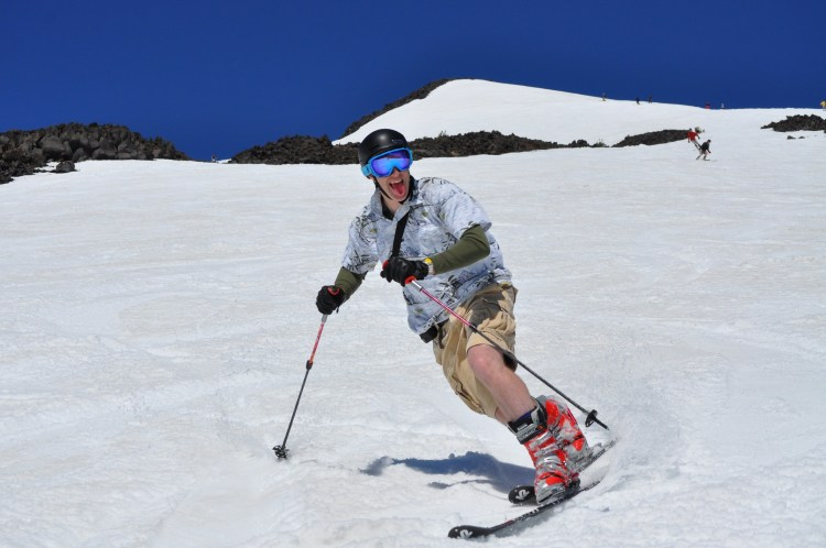 Mt Bachelor May skiing and closing date