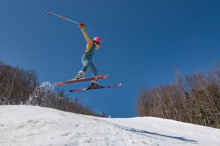 Sunday River skiing and closing dates