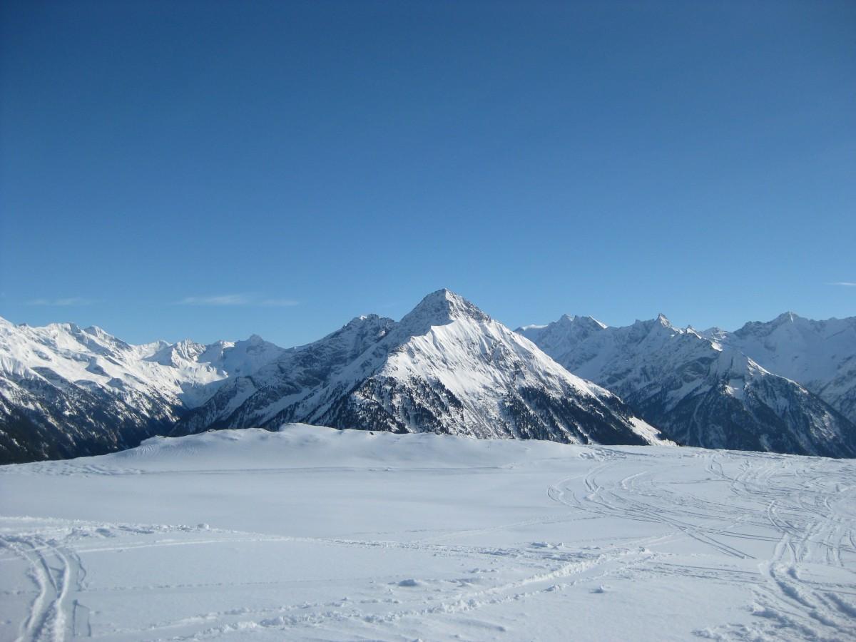mayrhofen_ski_resort_austria