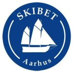 Skibet træskib båd sejlads logo forside
