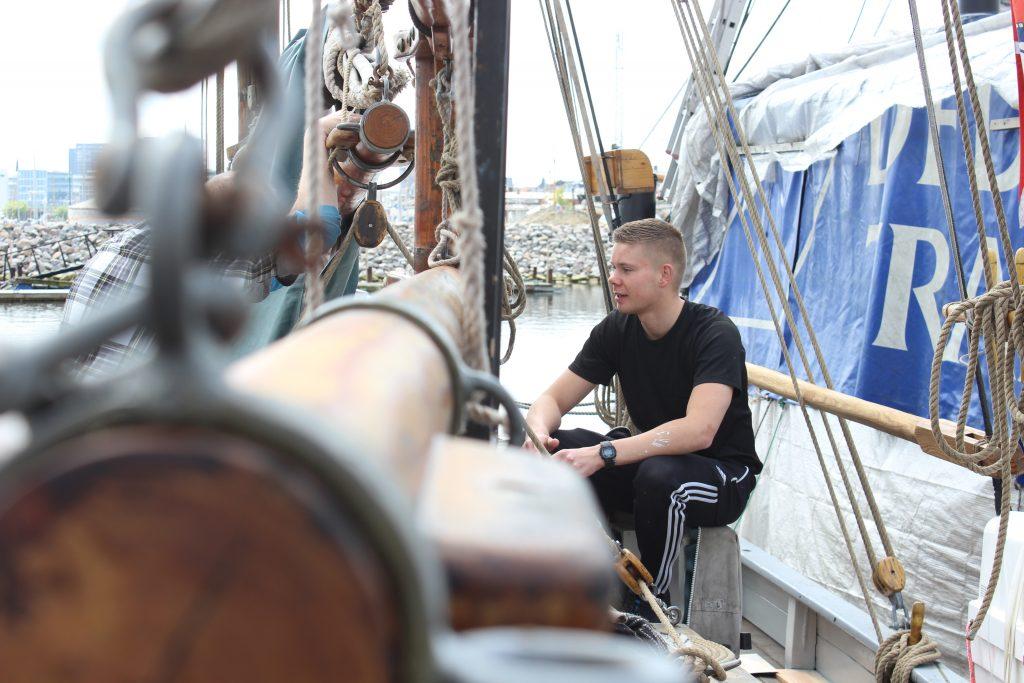 Skibet træskib båd sejlads Arbejdsdag