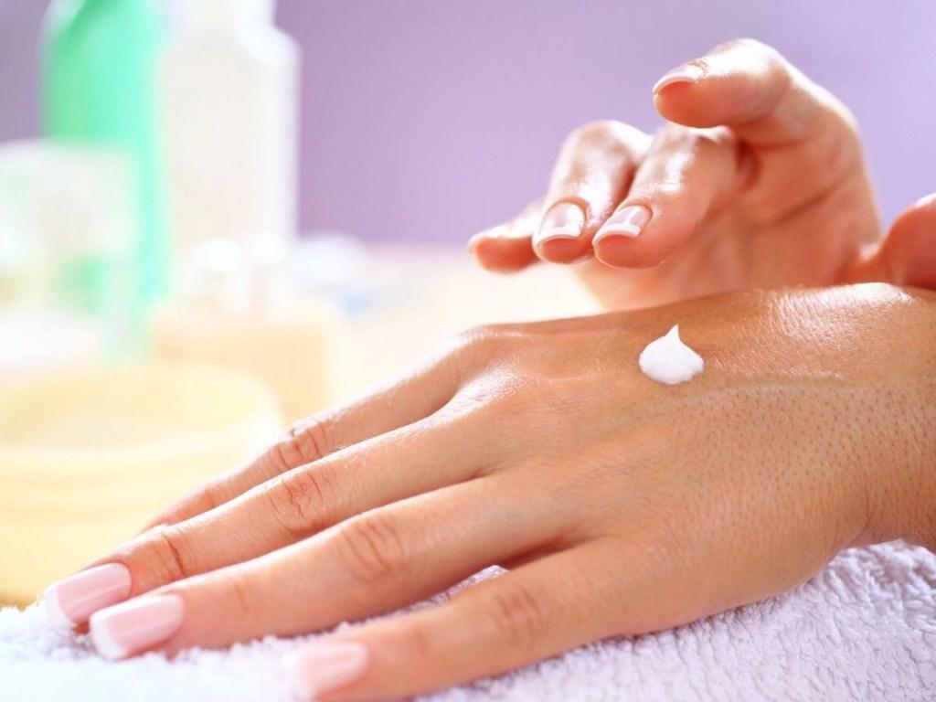 How to Keep Your Skin Moisturized