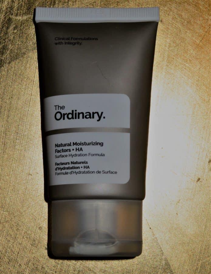 Een review over een dag of nachtcrème van The Ordinary. Het is een erg fijn product met goede ingrediënten. Lees mijn gehele oordeel in het artikel!