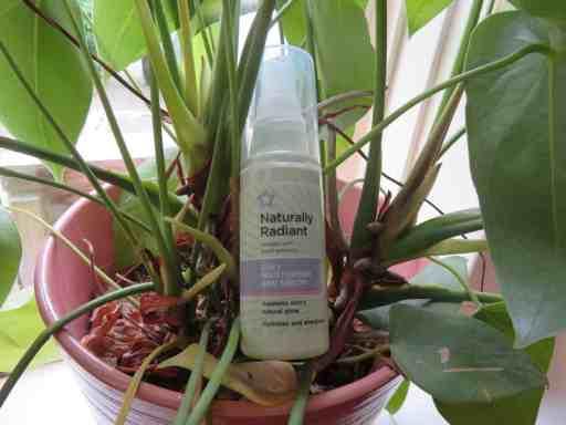 De 2 in 1 moisturizer en serum formule voor een droge huid