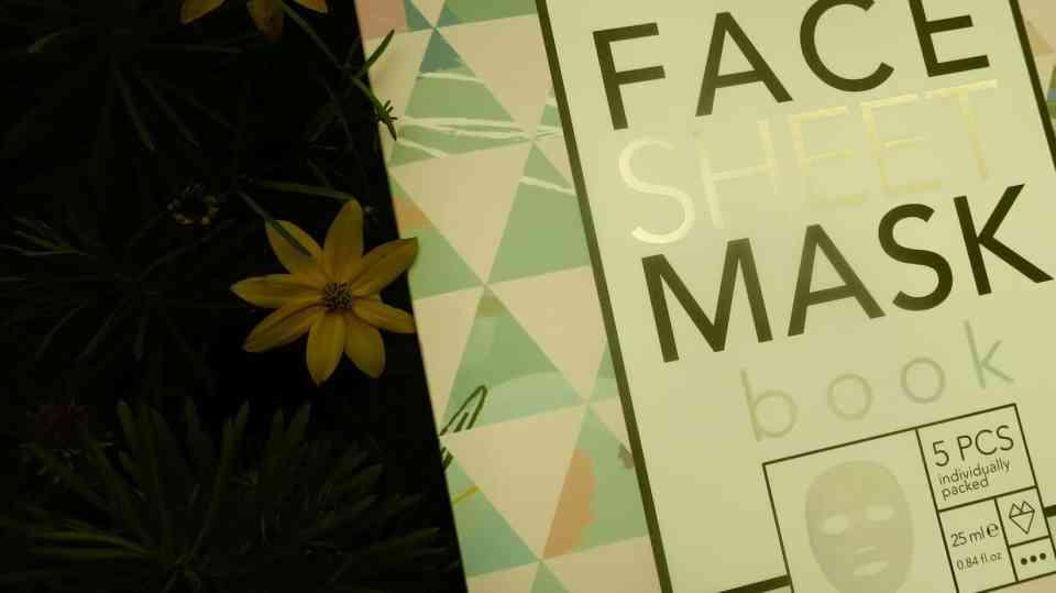 Het face sheet mask book van action
