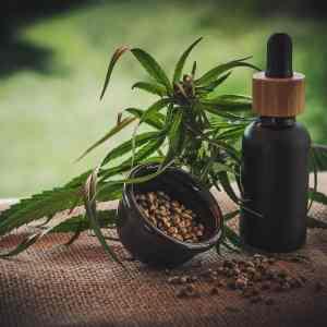 CBD en hennepolie effecten op huidaandoeningen