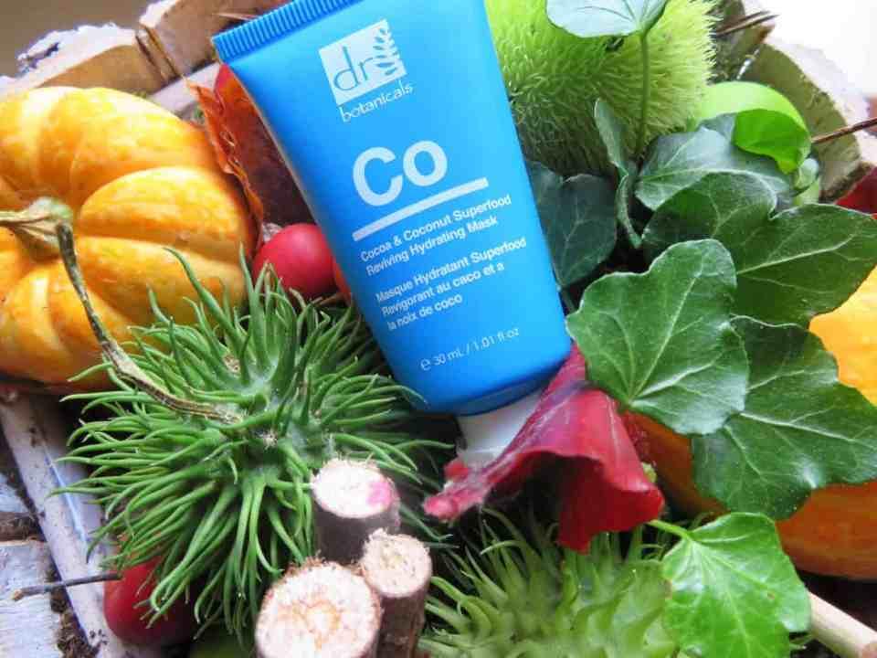 Dr Botanicals hydraterend masker met cacao & coconut. Daarnaast bevat het anti-oxidanten en biedt het een uitstekende huidverzorging voor de droge en gevoelige huid. ook voor de oudere huid is het geschikt.