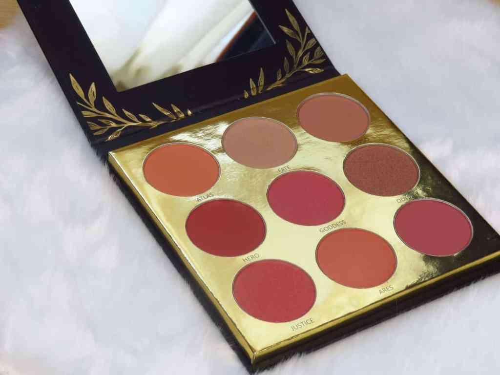 Gouden, bruin/rood tinten, roze en nude