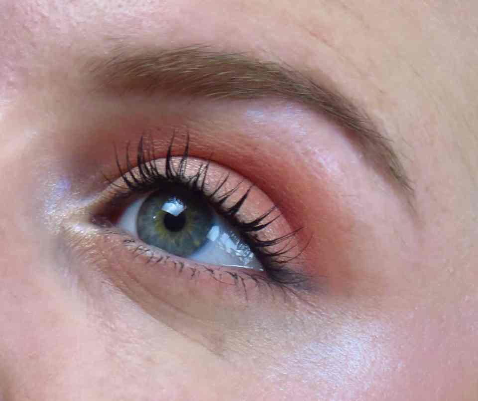 Rood/bruine oogschaduw, glinsteren, shining, make-up look, christmas, kerst