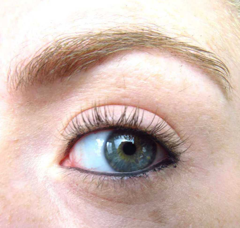 Essence oogpotlood waterrand zonder mascara