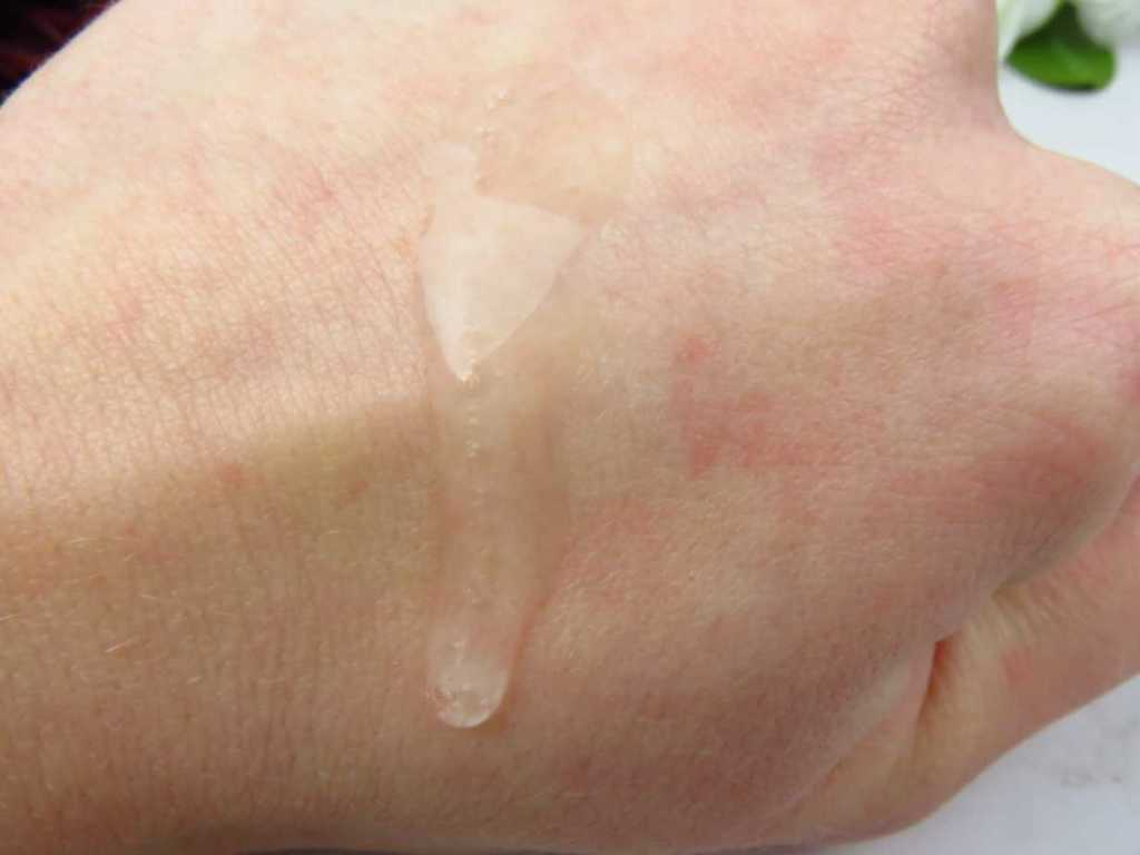 swatch hyaluronic acid booster paula's choice