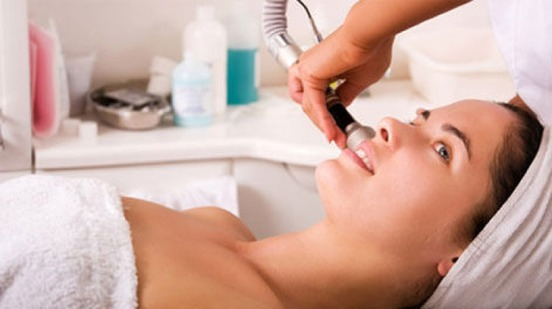Fade acne scars with pulse lasery