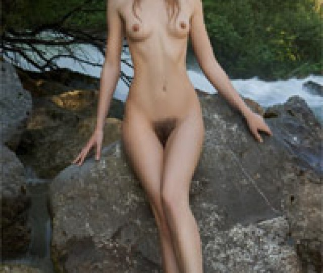 Leggy Nude Girl With Hairy Pussy